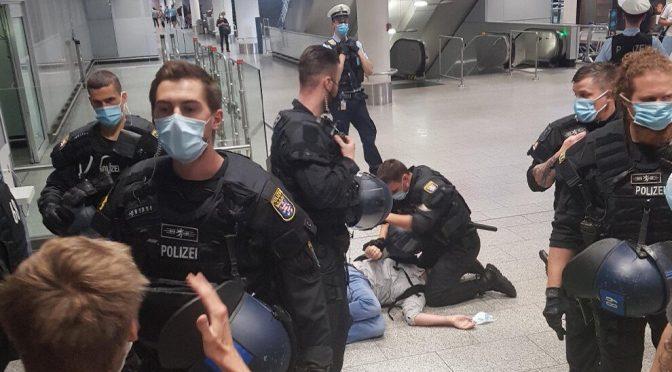 Ausfuhr von Waffen ist grenzenlos- Gegen Friedensdelegationen werden Ausreiseverbote durchgesetzt! Defend Kurdistan!